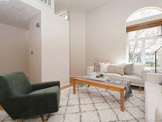 Photo 2: 3020 Washington Ave in VICTORIA: Vi Burnside Row/Townhouse for sale (Victoria)  : MLS®# 810102