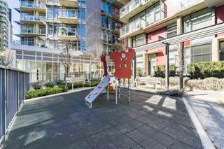 "Photo 15: 1709 ONTARIO Street in Vancouver: False Creek Townhouse for sale in ""THE ONE"" (Vancouver West)  : MLS®# R2365673"
