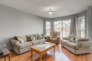 Photo 5: 100 TARINGTON Way NE in Calgary: Taradale Detached for sale : MLS®# C4243849