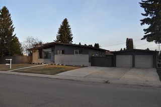 Photo 3: 7103 92A Avenue in Edmonton: Zone 18 House for sale : MLS®# E4156174