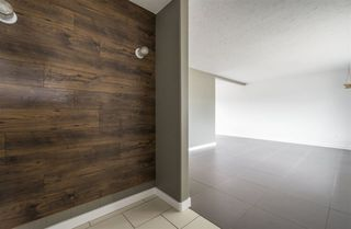Photo 3: 9463 75 Street in Edmonton: Zone 18 House for sale : MLS®# E4157470