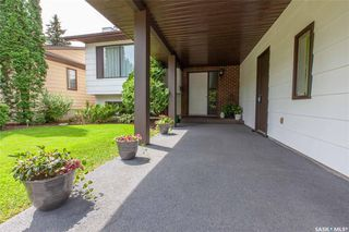 Photo 3: 127 Benesh Crescent in Saskatoon: Silverwood Heights Residential for sale : MLS®# SK778912