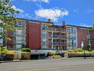 Main Photo: 305 2119 Oak Bay Avenue in VICTORIA: OB South Oak Bay Condo Apartment for sale (Oak Bay)  : MLS®# 421247