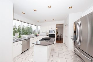 Photo 4: 3132 QUINTETTE Crescent in Coquitlam: Westwood Plateau House for sale : MLS®# R2443205