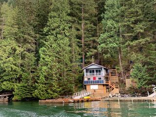 """Photo 2: 8 JOHNSON Bay in North Vancouver: Indian Arm House for sale in """"Johnson Bay"""" : MLS®# R2444286"""