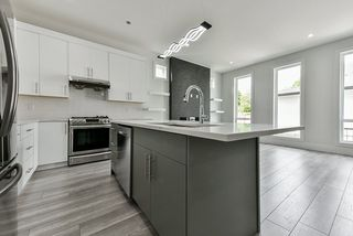 Photo 4: 7139 206 Street in Langley: Willoughby Heights House for sale : MLS®# R2456120