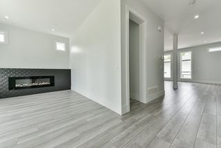 Photo 3: 7139 206 Street in Langley: Willoughby Heights House for sale : MLS®# R2456120