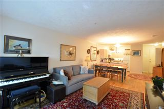 Photo 8: 212 1485 Garnet Rd in : SE Cedar Hill Condo for sale (Saanich East)  : MLS®# 850938