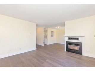 """Photo 10: 290 32550 MACLURE Road in Abbotsford: Central Abbotsford Townhouse for sale in """"Clearbrook Village"""" : MLS®# R2495630"""