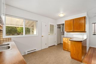 Photo 4: 1731 Newton St in : Vi Jubilee House for sale (Victoria)  : MLS®# 859787