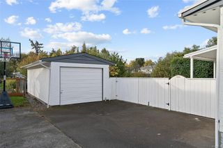 Photo 23: 1731 Newton St in : Vi Jubilee House for sale (Victoria)  : MLS®# 859787