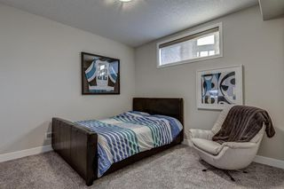 Photo 33: 33 WEST COACH Way SW in Calgary: West Springs Detached for sale : MLS®# A1053382
