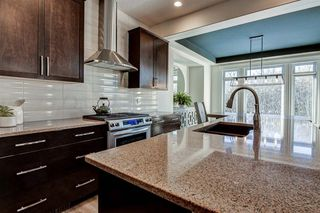 Photo 14: 33 WEST COACH Way SW in Calgary: West Springs Detached for sale : MLS®# A1053382