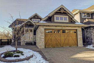 Photo 1: 33 WEST COACH Way SW in Calgary: West Springs Detached for sale : MLS®# A1053382