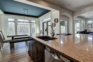 Photo 16: 33 WEST COACH Way SW in Calgary: West Springs Detached for sale : MLS®# A1053382