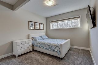 Photo 31: 33 WEST COACH Way SW in Calgary: West Springs Detached for sale : MLS®# A1053382