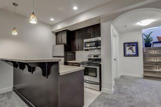 Photo 29: 33 WEST COACH Way SW in Calgary: West Springs Detached for sale : MLS®# A1053382
