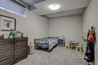 Photo 34: 33 WEST COACH Way SW in Calgary: West Springs Detached for sale : MLS®# A1053382