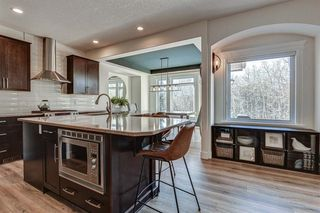 Photo 12: 33 WEST COACH Way SW in Calgary: West Springs Detached for sale : MLS®# A1053382