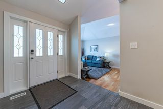 Photo 3: 20 ELLESMERE Drive: St. Albert House for sale : MLS®# E4224931