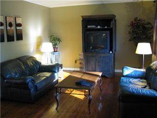 Photo 3: 42 Middleton Crescent in Saskatoon: Nutana Park Single Family Dwelling for sale (Saskatoon Area 02)  : MLS®# 412459