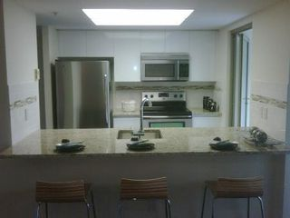 Photo 2: FABULOUS RENOVATED UNIT!