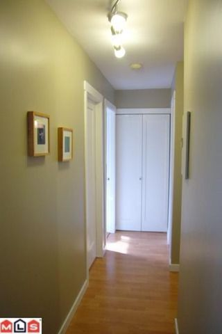 Photo 5: # 206 1331 FIR ST: Condo for sale (White Rock)  : MLS®# F1123472