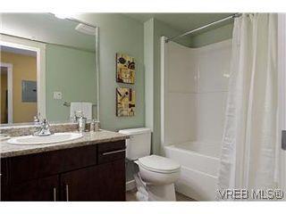 Photo 11: 405 1405 Esquimalt Road in VICTORIA: Es Esquimalt Residential for sale (Esquimalt)  : MLS®# 301007