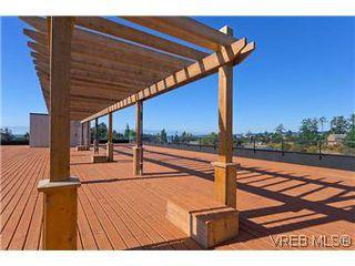Photo 1: 405 1405 Esquimalt Road in VICTORIA: Es Esquimalt Residential for sale (Esquimalt)  : MLS®# 301007