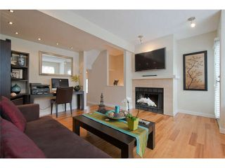 "Photo 2: 11 877 W 7TH Avenue in Vancouver: Fairview VW Townhouse for sale in ""EMERALD COURT"" (Vancouver West)  : MLS®# V1061209"