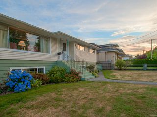 Photo 20: 6210 CURTIS Street in Burnaby: Parkcrest House for sale (Burnaby North)  : MLS®# V1134227