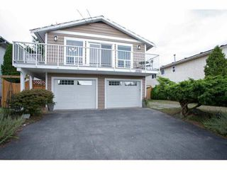 Photo 2: 15861 CLIFF Avenue: White Rock House for sale (South Surrey White Rock)  : MLS®# F1451572