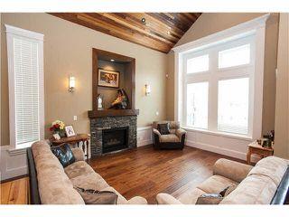"Photo 2: 15643 18 Avenue in Surrey: King George Corridor House for sale in ""KING GEORGE CORRIDOR"" (South Surrey White Rock)  : MLS®# R2010205"