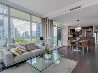 Photo 4: 803 428 BEACH Crescent in Vancouver: Yaletown Condo for sale (Vancouver West)  : MLS®# R2072146