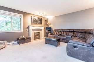 "Photo 2: 205 33675 MARSHALL Road in Abbotsford: Central Abbotsford Condo for sale in ""Huntington"" : MLS®# R2072770"