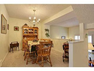 Photo 5: 22 COACHWAY Green SW in Calgary: 4 Level Split for sale : MLS®# C3572923