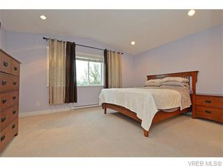 Photo 9: 986 Dunford Ave in VICTORIA: La Langford Proper Row/Townhouse for sale (Langford)  : MLS®# 744988