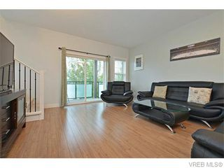 Photo 2: 986 Dunford Ave in VICTORIA: La Langford Proper Row/Townhouse for sale (Langford)  : MLS®# 744988
