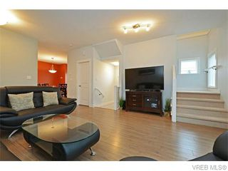Photo 4: 986 Dunford Ave in VICTORIA: La Langford Proper Row/Townhouse for sale (Langford)  : MLS®# 744988