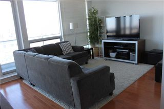Photo 2: 301 2885 Bayview Avenue in Toronto: Bayview Village Condo for sale (Toronto C15)  : MLS®# C3683146