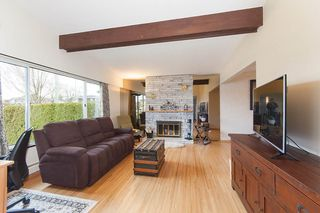 Photo 3: 3070 E 52ND Avenue in Vancouver: Killarney VE House for sale (Vancouver East)  : MLS®# R2148373