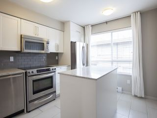 """Photo 10: 303 2688 WATSON Street in Vancouver: Mount Pleasant VE Townhouse for sale in """"Tala Vera"""" (Vancouver East)  : MLS®# R2152269"""