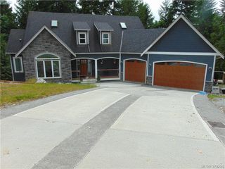 Main Photo: 2625 NATALIE Road in SHAWNIGAN LAKE: ML Shawnigan Lake Single Family Detached for sale (Malahat & Area)  : MLS®# 379295