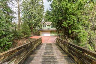 Photo 1: 569 CHAPMAN Avenue in Coquitlam: Coquitlam West House for sale : MLS®# R2204540