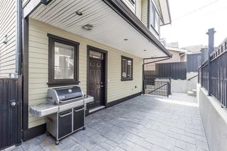 Photo 4: 125 N STRATFORD Avenue in Burnaby: Capitol Hill BN House for sale (Burnaby North)  : MLS®# R2208655