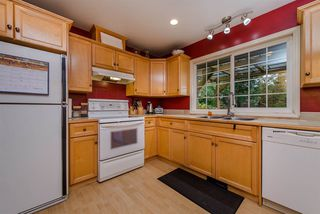 Photo 2: 33319 HOLLAND Avenue in Abbotsford: Central Abbotsford House for sale : MLS®# R2214006