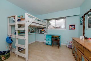 Photo 11: 33319 HOLLAND Avenue in Abbotsford: Central Abbotsford House for sale : MLS®# R2214006