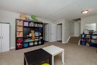 Photo 12: 33319 HOLLAND Avenue in Abbotsford: Central Abbotsford House for sale : MLS®# R2214006