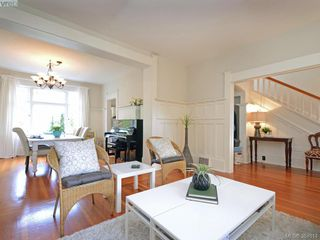 Photo 3: 1415 Monterey Ave in VICTORIA: OB South Oak Bay Single Family Detached for sale (Oak Bay)  : MLS®# 773110