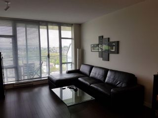 """Photo 2: 2109 280 ROSS Drive in New Westminster: Fraserview NW Condo for sale in """"The Carlyle"""" : MLS®# R2227782"""